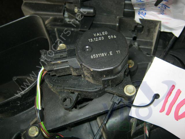 Моторчик заслонки печки Peugeot 406 (с разборки) .