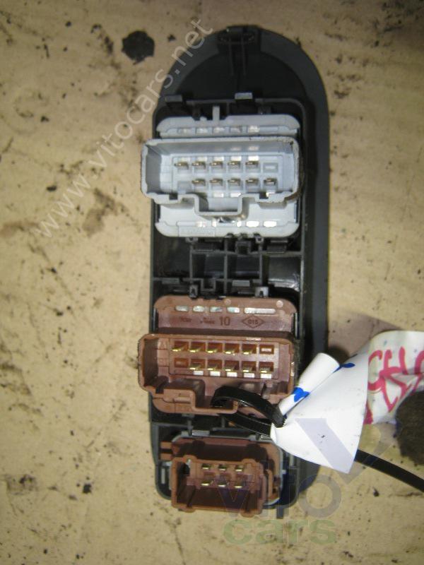 Кнопка стеклоподъемника передняя левая (блок) Renault Megane 2 (с разборки) .