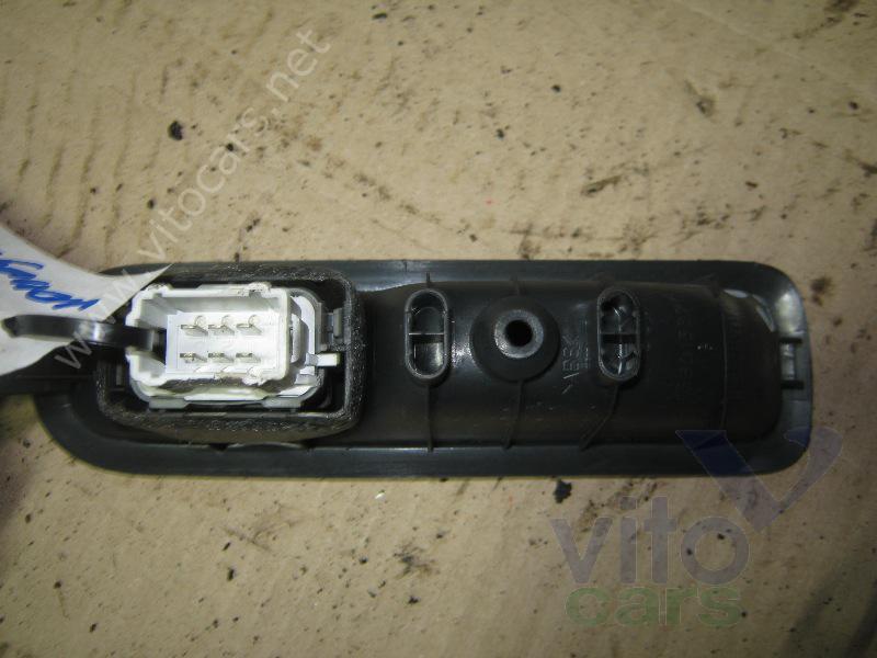Кнопка стеклоподъемника Renault Megane 2 (с разборки) .